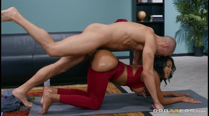 Porn video Fitness mulatto Nia Nacc gets fucked by a trainer. Nia Nacci