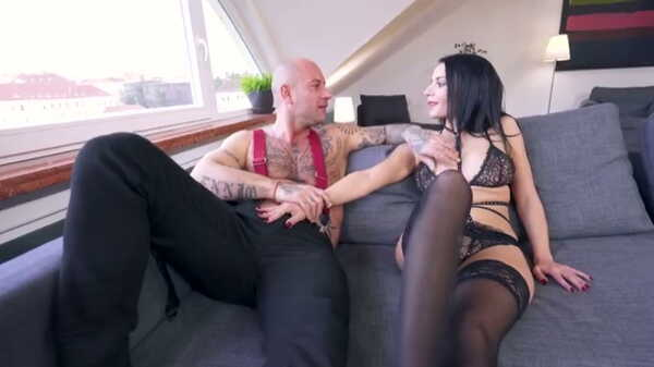 Sex video Hard anal sex with Sophia Laure.