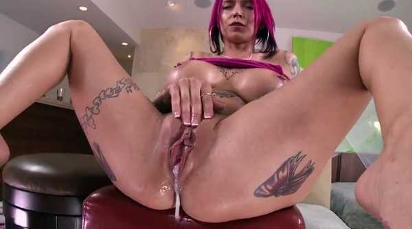 Porn video He passionately fucked her and filled her pussy with sperm. Anna Bell Peaks