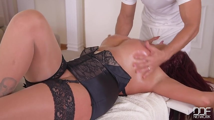 Porn video Masseur fucked a juicy brown-haired woman with big tits. Emma Butt