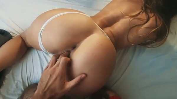 Morning sex with a sexy blonde.