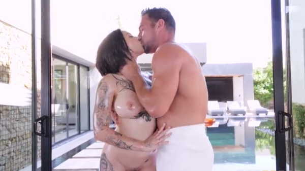 Porn video Passionate sex near the pool. Harlow Harrison, Johnny Castle