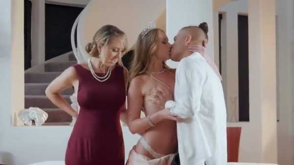 Porn video Sex after prom. Brett Rossi, Daisy Stone