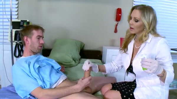 Porn video Sex with hot nurse Julia Ann. Julia Ann, Danny D