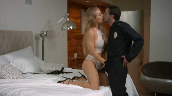 Porn video She seduced a police officer. Nicole Aniston
