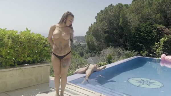 Porn video She seduced her stepfather by the pool. Misha Maver