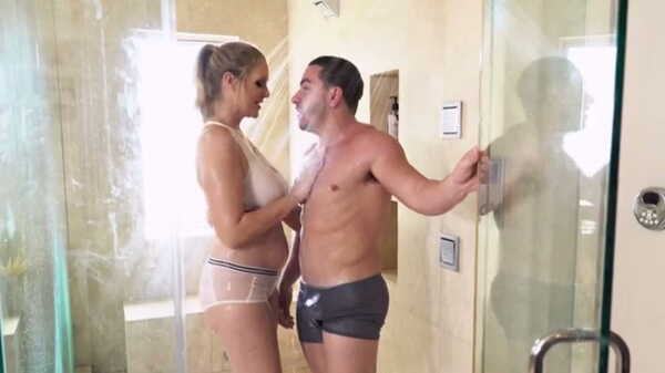 Sex videos Stepmother Julia Ann helped to take a shower.
