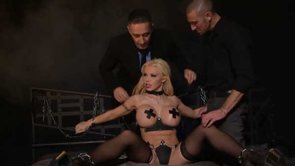 Porn video They fucked her together in a BDSM room. Barbie Sins